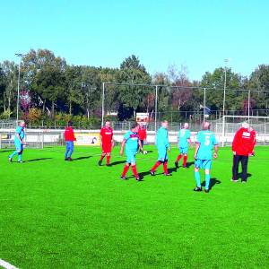 Walking Football houdt de oudjes fit