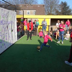 Buurtschoolplein De Veldzijde geopend