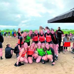 Bronzen plak en vierde tijdens NK Beach handbal