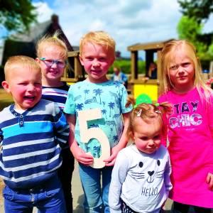 Feest ter ere van eerste lustrum Kindcentrum Meester Snel