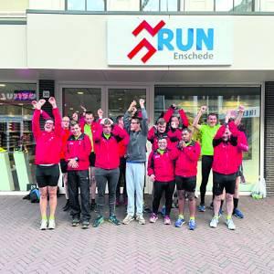 Het Ketelhuisfonds helpt Road Runners AV-Iphitos aan nieuwe hardloopschoenen