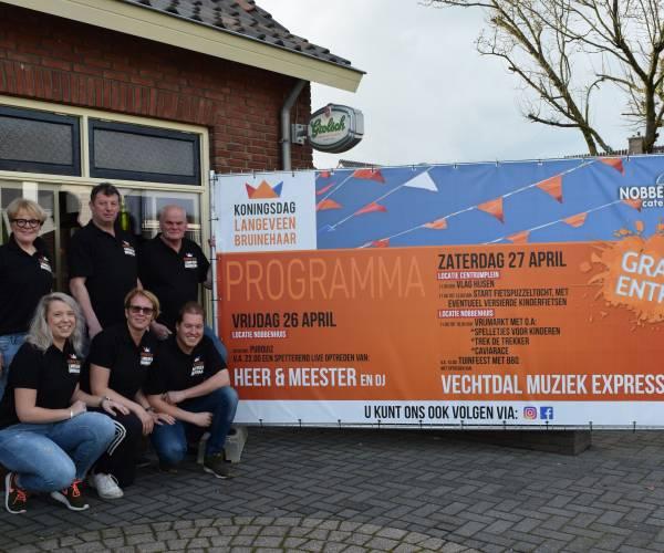 Volop Koningsdag in Langeveen en Bruinehaar