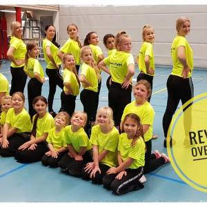 Nieuwe T-shirts voor dans- en twirlvereniging Revenge