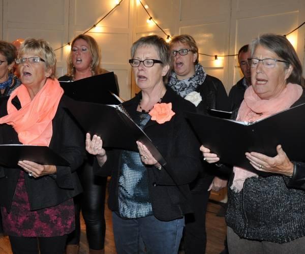 Zangvereniging Hooge Noodt bereidt zich voor op een sfeervol kerstconcert