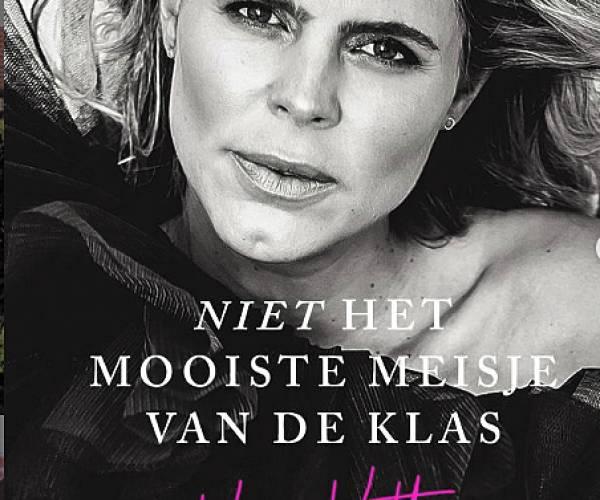 Signeersessie Kim Kötter bij Primera Marcel