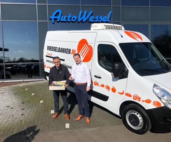 Nieuwe koelwagen voor voedselbank
